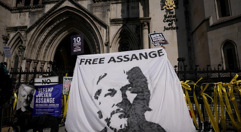In difesa di Assange: due motivi per cui l'hackeraggio è buon giornalismo