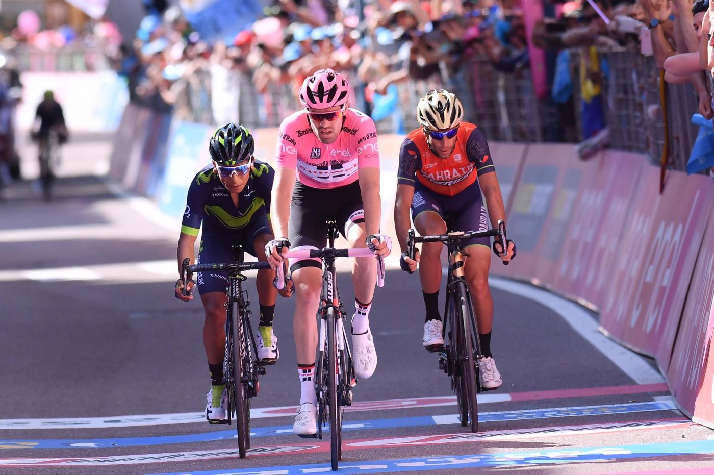 Nibali trionfa sullo Stelvio, finalmente una vittoria italiana: Dumoulin resta in rosa