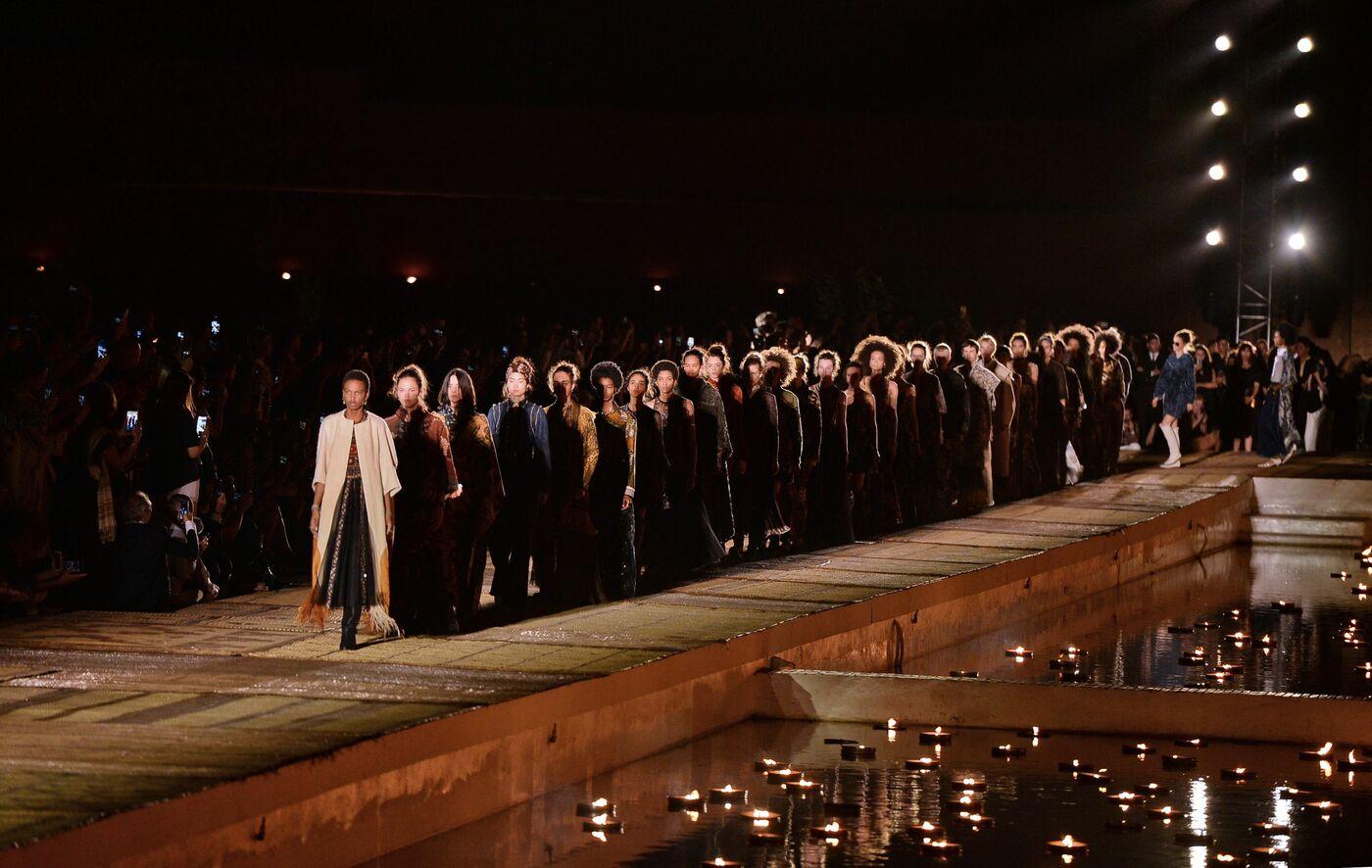 2467665c39 La sfilata della collezione Dior Cruise 2020 (foto LaPresse)