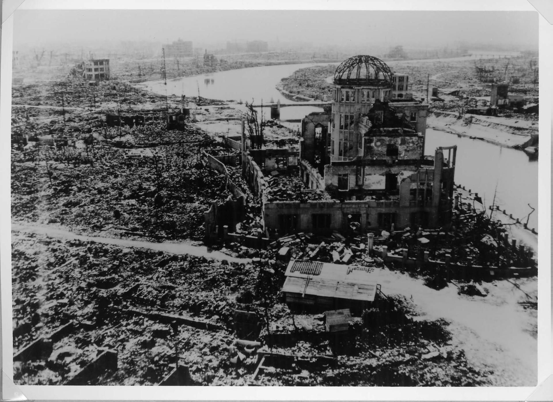 Gigantesca esplosione a Beirut, il governatore: